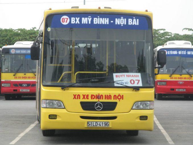 xe-dua-don-san-bay-noi-bai