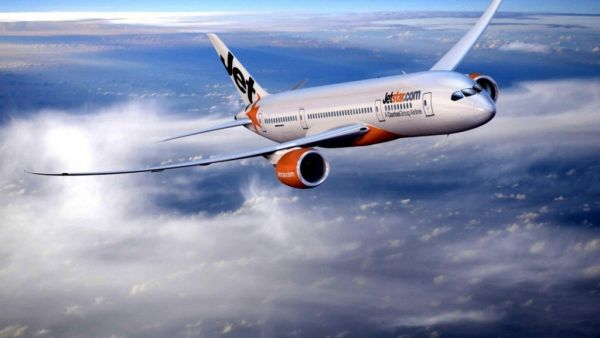 Ve-may-bay-di-ha-noi-jetstar-khuyen-mai-11k